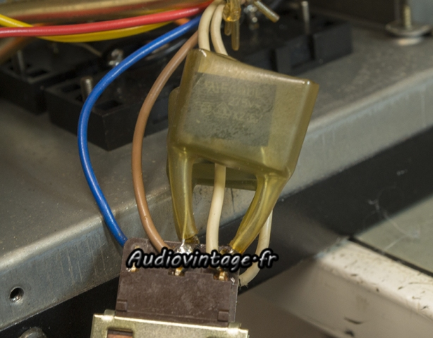Sansui AU-11000A : capas X2 neuves en place.
