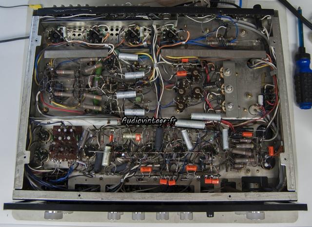 Sansui AU-111
