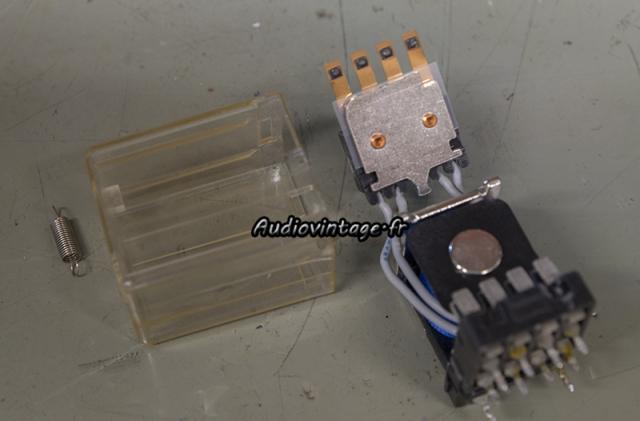 Sansui AU-317 II : relais à nettoyer !