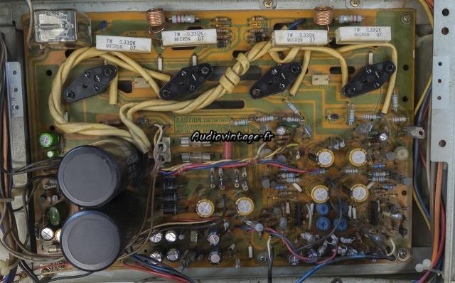 Sansui AU-317 II : circuit principal révisé et nettoyé.