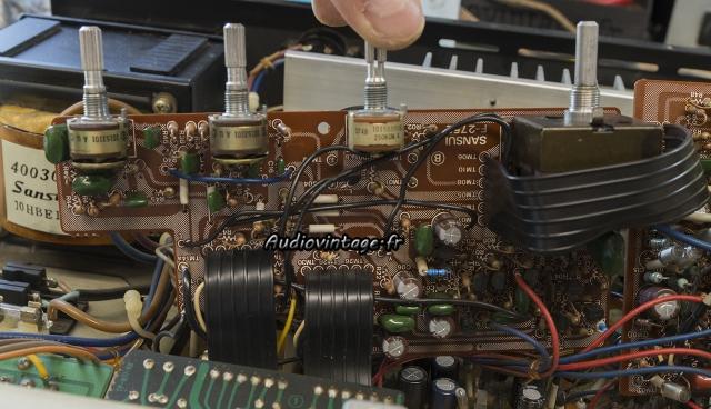 Sansui AU-317 II : circuit de tonalité révisé.