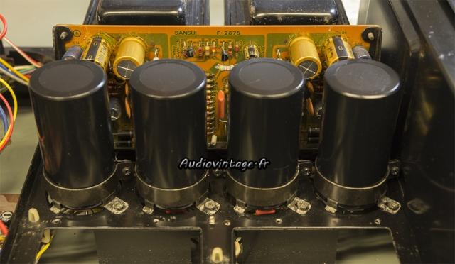 Sansui AU-517 : condensateurs de filtrage neufs en place.