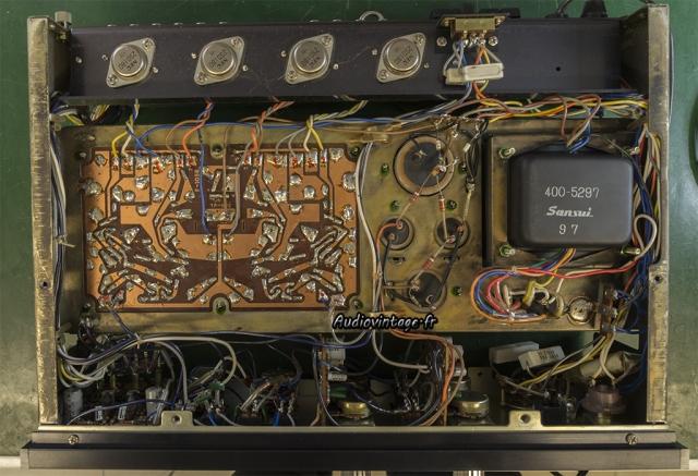 Sansui AU-555