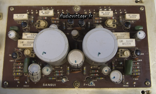 Sansui AU-555A : section amplification avant révision.