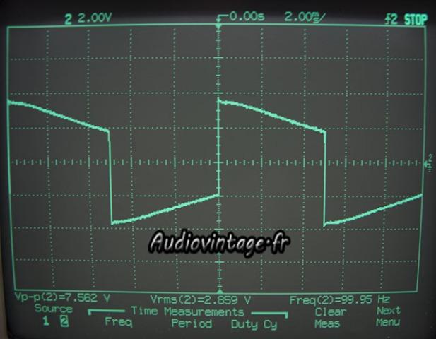 sansui AU-555A-signal carré-100hz.
