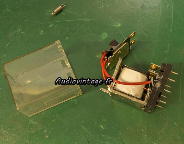 Sansui AU-5900 :  nettoyage du relais.
