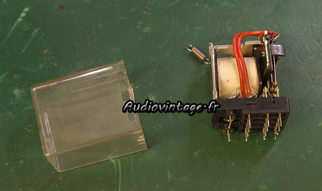 Sansui AU-7500 : nettoyage du relais.