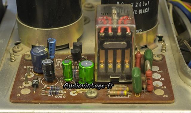 Sansui AU-7500 : circuit muting/protection révisé.