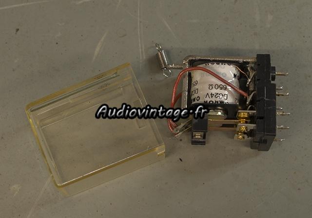 Sansui AU-7700 : nettoyage du relais.