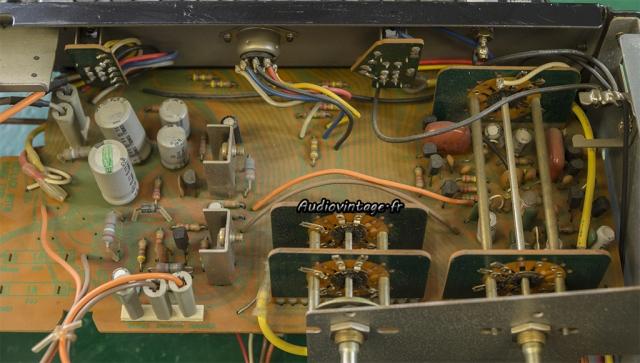Sansui AU-7900 : circuit alimentation secondaire et phono à revoir.