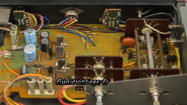 Sansui AU-7900 : alimentation et phono à réviser.