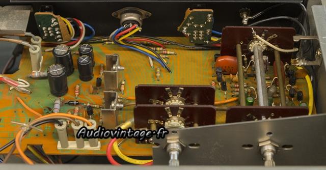 Sansui AU-7900 : alimentation et phono révisés.