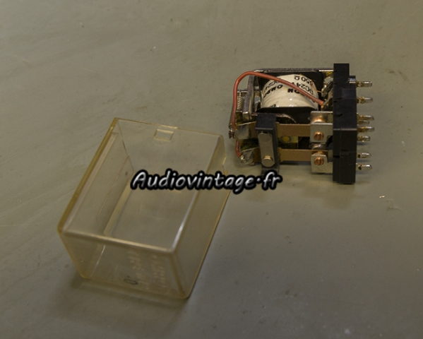 Sansui AU-9500 : nettoyage du relais.