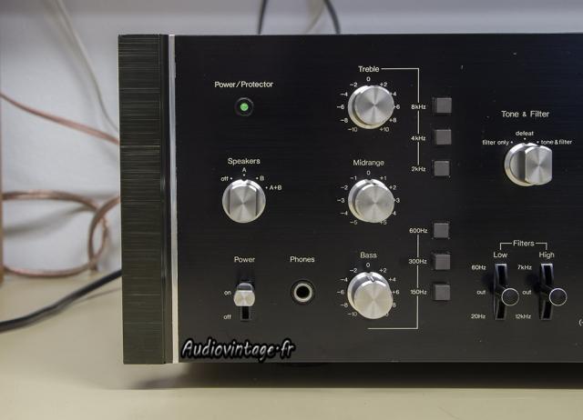 Sansui AU-9900-gros plan-gauche-audiovintage