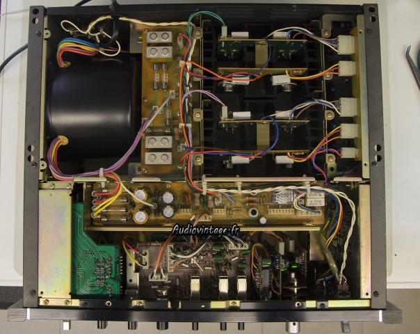 Sansui AU-9900-revision faite-dessous-audiovintage