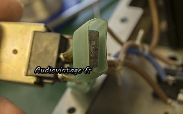 Sansui AU-217 : nouveaux condensateurs X2 en place.