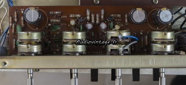 Sansui AU-222 : circuit de tonalité révisé.