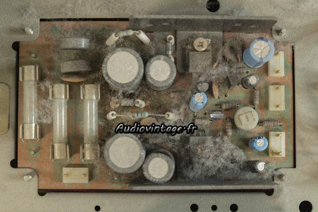 Sansui TU-9900 : circuit alimentation à réviser.