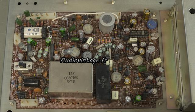 Sansui TU-9900 : circuit MPX révisé.