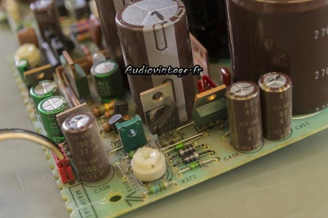 Sony TA-N80ES : paf le transistor.