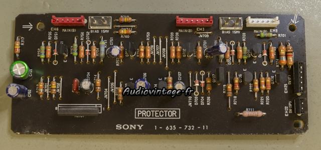 Sony TA-N80ES :  circuit de protection à réviser.