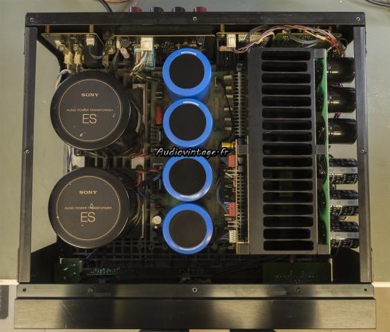 Sony TA-N80ES :  big capas en place.