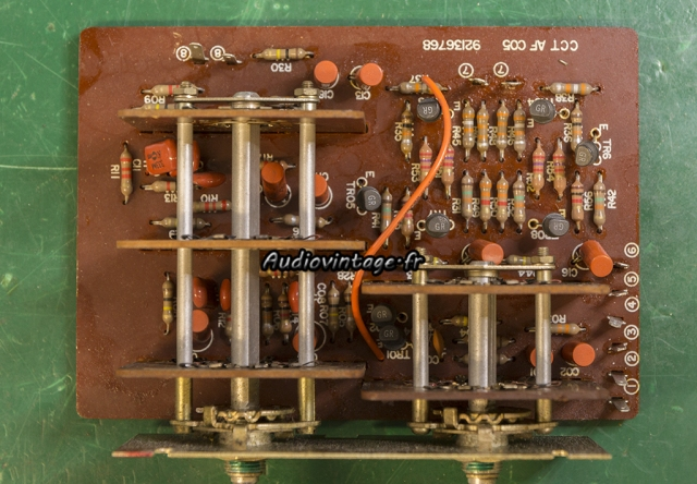 "TOSHIBA SB-404 : circuit ""effets"" à revoir."
