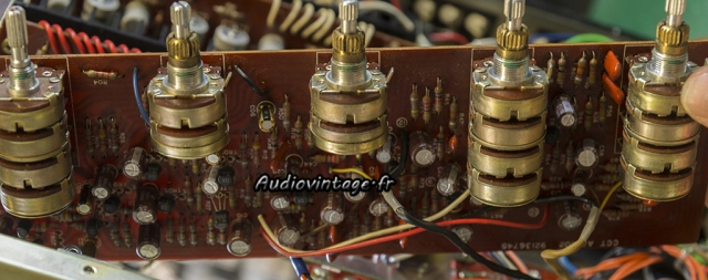 TOSHIBA SB-404 : circuit tonalité et volume  révisé.