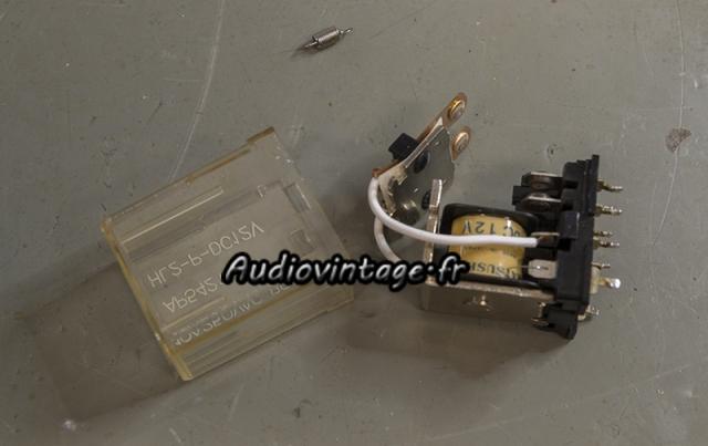 Yamaha CA-2010 : nettoyage de relais en cours.