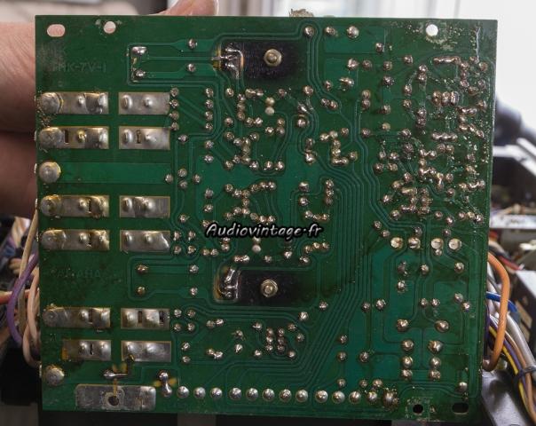 Yamaha CA-2010 : intervention passée, pas très propre...