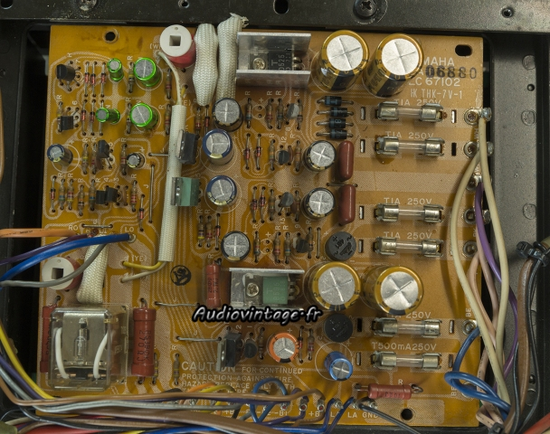 Yamaha CA-2010 : alimentation révisée.