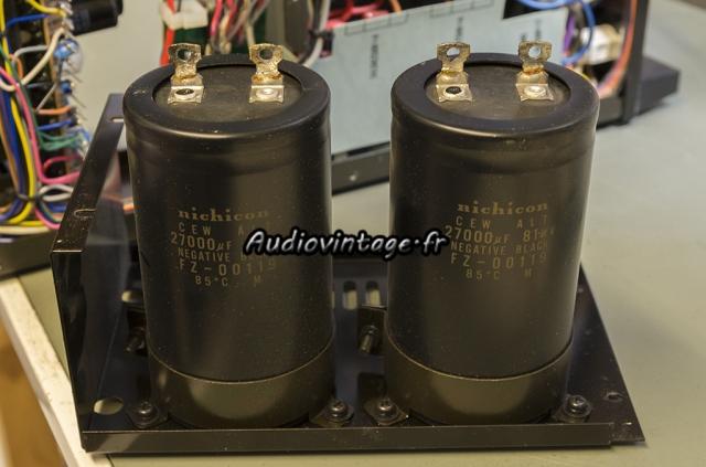 Yamaha CR-3020 : condensateurs encore frais.